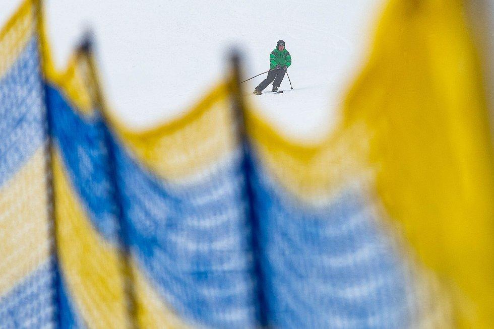 Lyžování v Deštném v Orlických horách.