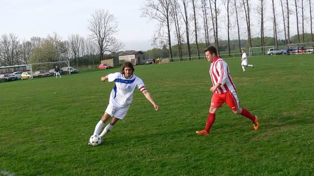 Kostelecký kapitán Antonín Řehák z Častolovic přispěl o víkendu k vysoké výhře svých mužstev třemi góly.
