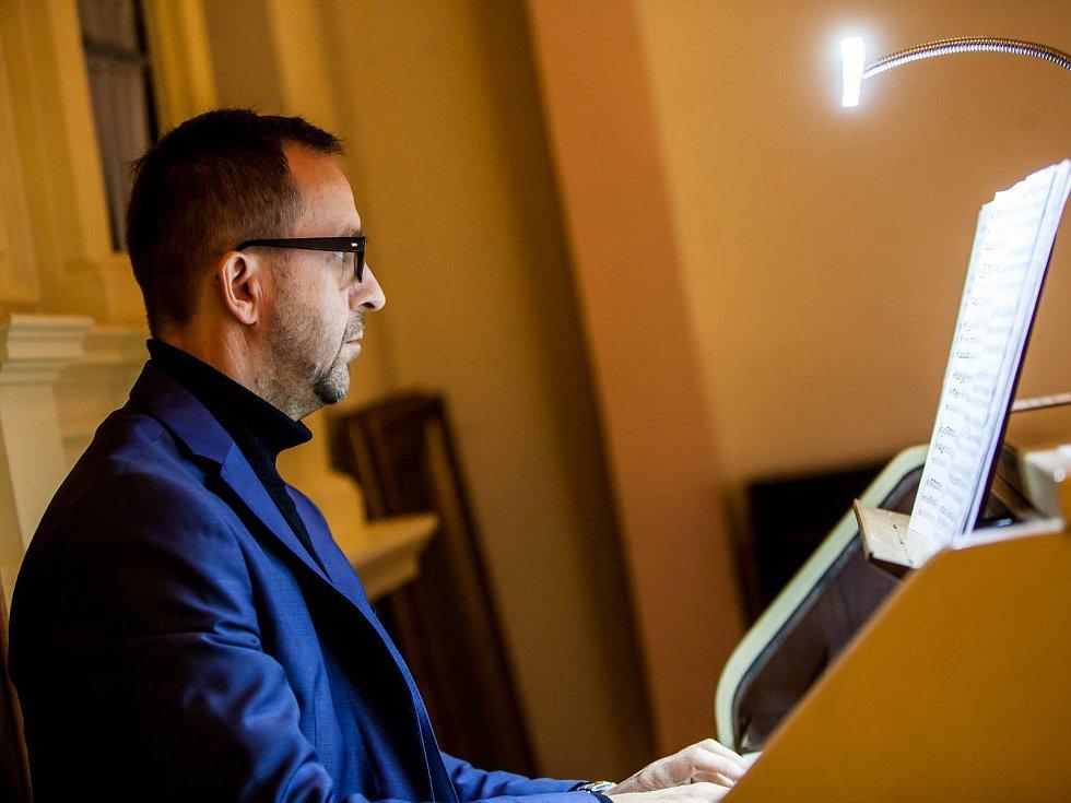 Mezinárodně uznávaní umělci míří do Přepych