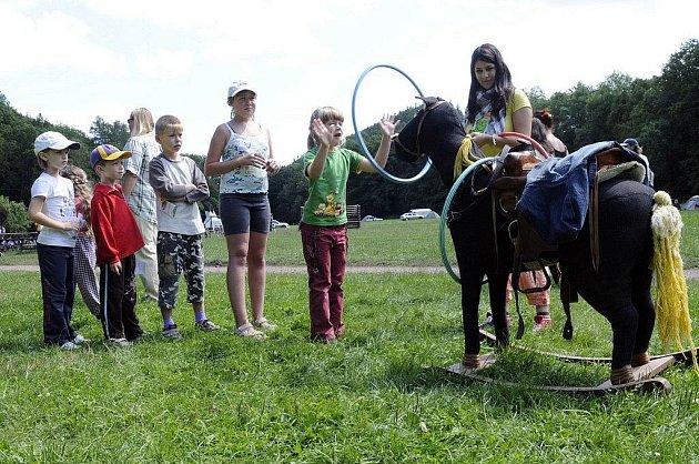 Dětem se vše nejlépe vysvětlí prostřednictvím pohádek . Na to sází  provozovatelé westernového tábořiště Vochtánka v údolí Divoké Orlice v  Potštejně.