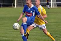 ZKUŠENÝ týnišťský hráč Jan Lemfeld s míčem.