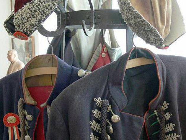 Sokolské uniformy.