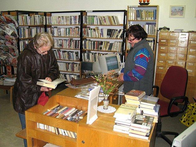 Knihovna v Opočně.