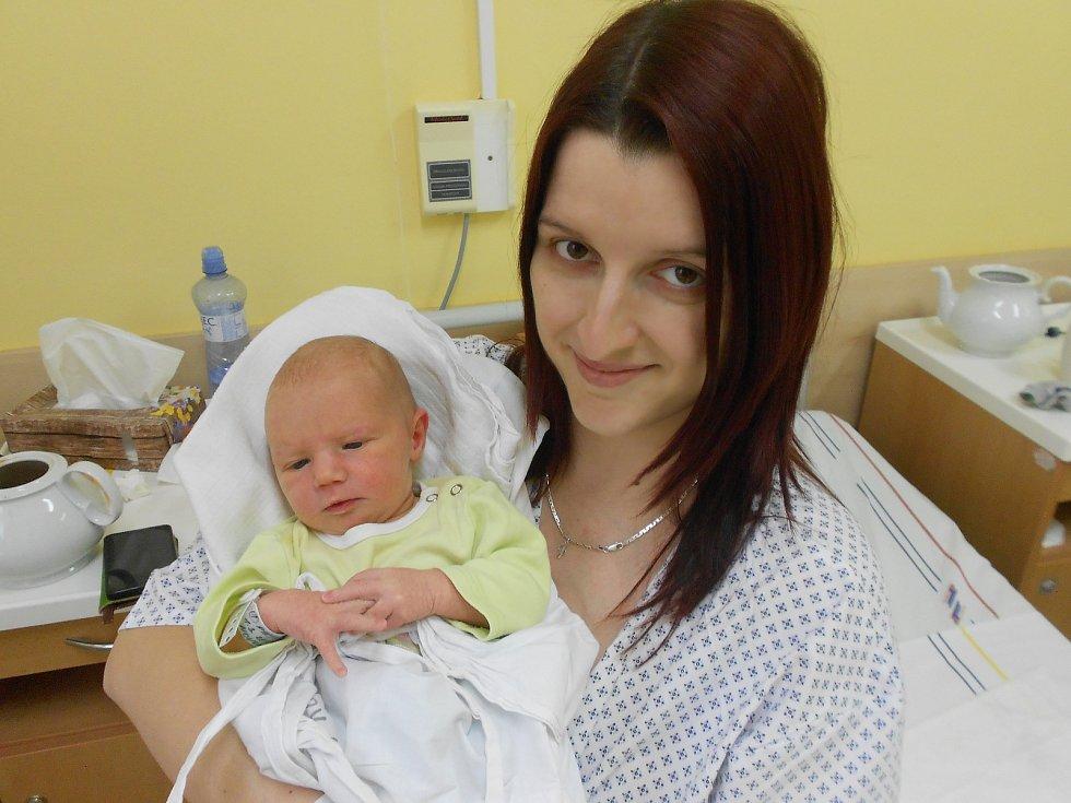 Anna Fryntová se narodila 1. 3. 2021 v12:30 hodin. Vážila 3 500 g a měřila 53 cm. Rodiče Miroslava a Jindřích Fryntovi pochází zPřepych. Na Aničku se těšil i sourozenec Kuba. Tatínek byl u porodu a zvládl to na jedničku.