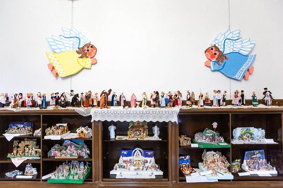 Výstava betlémů na zámku v Kvasinách.