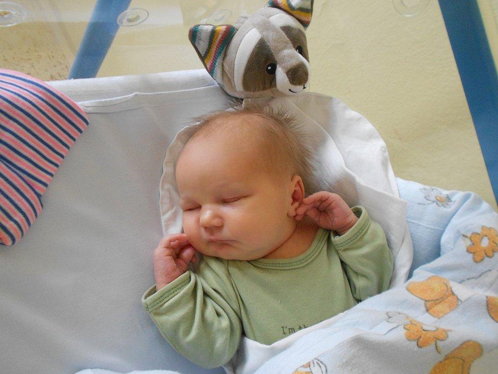 Jakub Lehký přišel na svět 26. 2. 2021 v17:01 hodin. Vážil 4 050 g a měřil 51 cm. Rodiče Veronika Kapacová a Jan Lehký pochází zLukavice. Tatínek byl u porodu a zvládl to podle maminky na výbornou.