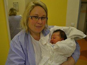 ADÉLA BRANDEJSOVÁ se narodila 14. února ve 14:34 mamince Veronice Brandejsové z Kostelce nad Orlicí. Holčička vážila 3900 gramů a měří 51 cm. U porodu s ní byla její sestra Pavla, která vše zvládla na jedničku.