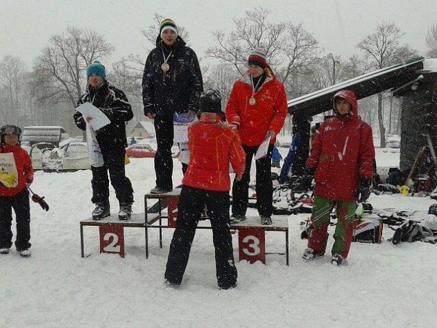 Každoročně se studenti Obchodní akademie T. G. Masaryka v Kostelci nad Orlicí účastní mnoha závodů.