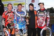 VÝCHODOČESKÝ TÝM získal v měření středisek motocyklového sportu stříbrnou trofej.
