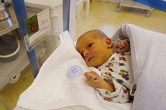 DANIEL JOSEFI: Rodiče Jana Sojková a Miroslav Josefi z Rychnova nad Kněžnou se radují ze syna. Narodil se 6. října ve 21.10 hodin a po narození vážil 3,36 kg a měřil 52 cm. Tatínek to u porodu zvládl na výbornou.