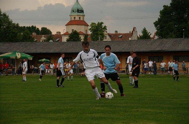 Fotbalové utkání Častolovice - Černíkovice (2:0).