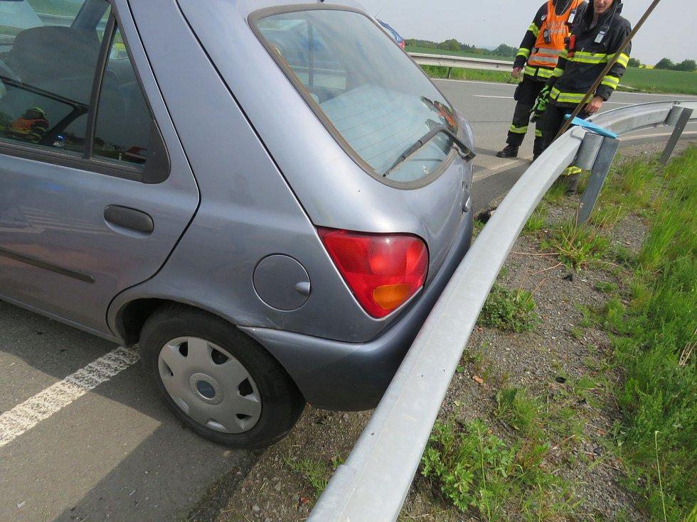 Nehoda u čerpací stanice  U Voříšku 18.5.2016