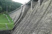 Vznik nových vodních nádrží se opět projednává kvůli hrozícím klimatickým změnám.