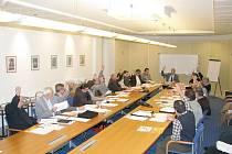 Schválení rozpočtu pro rok 2010 předcházela diskuse rychnovských zastupitelů.