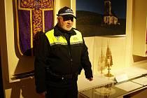 Vzácnou gotickou monstranci střežila městská policie.