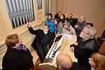 Koncert pro dárce. Jako první uslyšeli opravené varhany v dobrušském Husově sboru lidé, kteří přispěli do sbírky na záchranu vzácného nástroje.