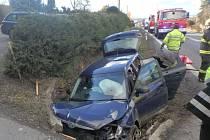 Havárie osobního automobilu mezu Vamberkem a Rybnou nad Zdobnicí.