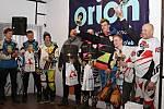 Mistrovství České republiky v motoskijöringu v Dobřanech v Orlických horách.