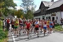 Běžci míří do Sedloňova