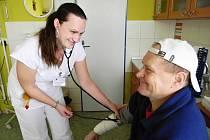 Světový den ledvin slaví i rychnovská dialýza. Nabízí bezplatné preventivní vyšetření.