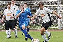 Jistý vítěz nejnižší okresní fotbalové soutěže B-tým Rychnova  (bílé dresy) se podruhé za sebou představí v domácím prostředí, když po Lípě B (0:1) přivítá v neděli Čermnou.
