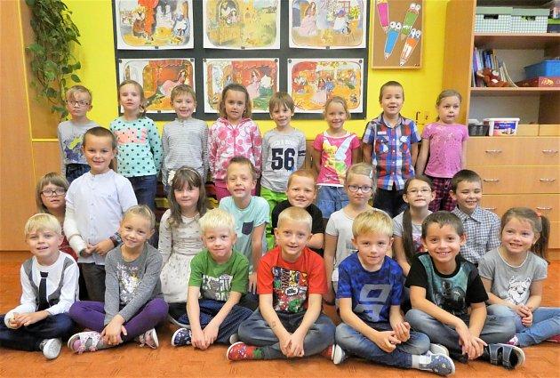 Žáci třídy 1.B ze Základní školy F. Kupky vDobrušce.