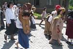 Letošní zámecké slavnosti přenesly návštěvníky do časů středověku, kdy nad Potštejnem vládl prapor se zubří hlavou