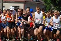 Na start závodu, který byl součástí Českého poháru v běhu do vrchu 2013, se postavilo celkem 117 běžců.