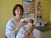 JAROSLAV DIVÍŠEK:  Johana a Jaroslav Divíškovi z Rybné nad Zdobnicí přivítali na svět své první dítě. Chlapeček se narodil 12. května ve 14:17. Vážil 3460 gramů a měřil 52 cm. Tatínek byl u porodu a zvládl ho výborně.