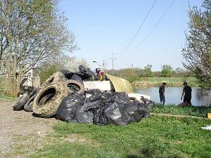 Čištění řeky Orlice