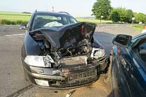 Za srážkou aut v Doudlebách bylo nejpíš riskantní předjíždění