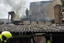 Požár rodinného domu v Očelicích.