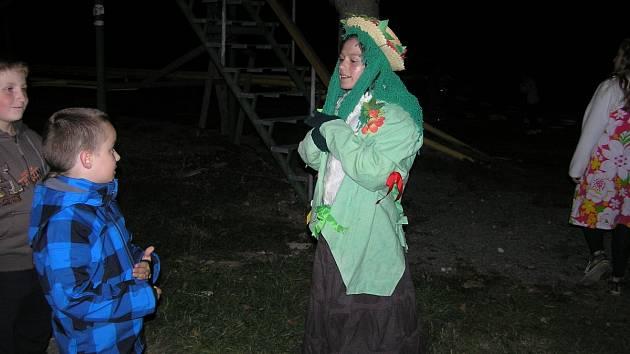 Noční cesta dětí do pohádky v Solnici