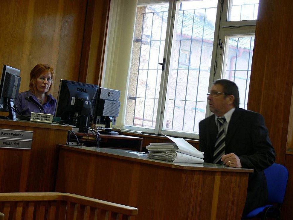Rychnovský Okresní soud řešil případ bývalého vedoucího kosteleckého odboru dopravy  Milana Furdy.