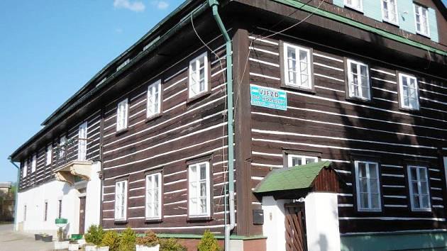 CHATA HORALKA nabízí ubytování pro všechny věkové skupiny, jednotlivce i kolektivy.