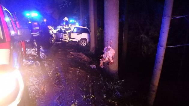 Havárie osobního automobilu u Zdobnice.