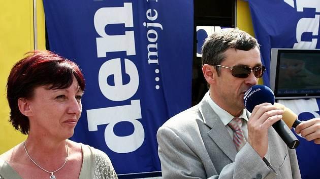 PODNIKATELŮM  nelze nařídit živnost. Odpovídají starosta Petr Tojnar a  místostarostka  Blanka Čiháčková.