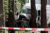 Na silnici I/11 mezi Petrovicemi a Třebechovicemi pod Orebem zahynul jeden člověk. Došlo zde ke střetu osobního vozidla s dodávkou.