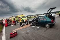 nehodě došlo na frekventované křižovatce u  Dobrušky nedaleko marketu Penny na hlavní silnici z Náchoda na Rychnov nad Kněžnou (I/35).