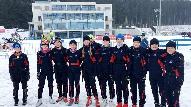 Výprava mladých běžců na lyžích oddílu Wikov SKI Skuhrov nad Bělou.