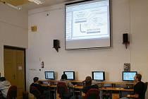 Významným cílem projektu, jehož bylo dosaženo, je viditelná modernizace vybavení školy, která přinesla dataprojektory do všech tříd.