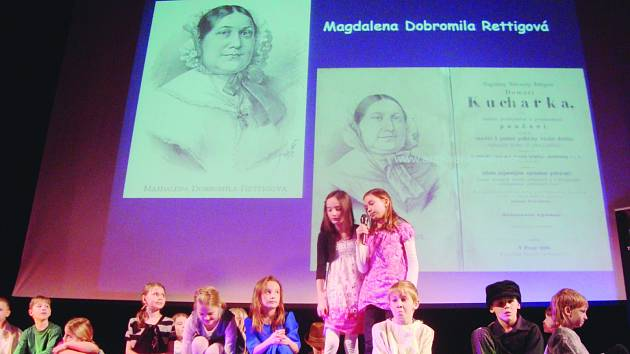 Kladsko přivítalo školáky z Rychnova nad Kněžnou. Setkali se tu s místními žáky základní školy.  Přiblížili jim své město – Rychnov.