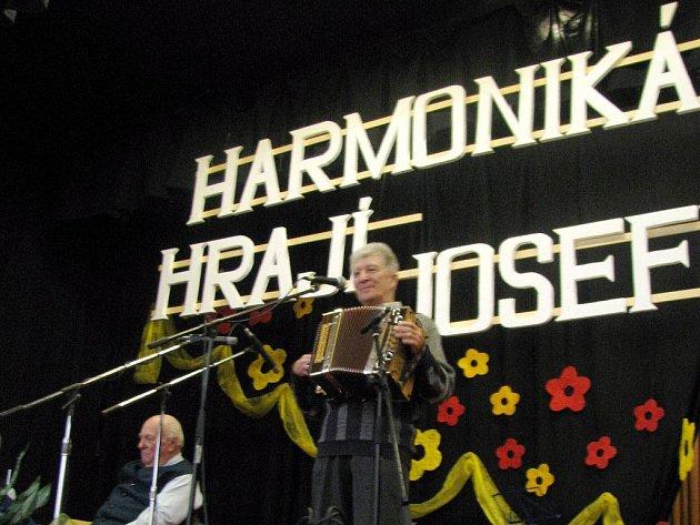 Harmonikáři zahráli Josefům k svátku