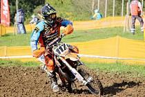 Čtrnáctiletý jezdec Starling Cross teamu završil úspěšnou sezonu ziskem titulu mezinárodního mistra ČR ve třídě 85 ccm.