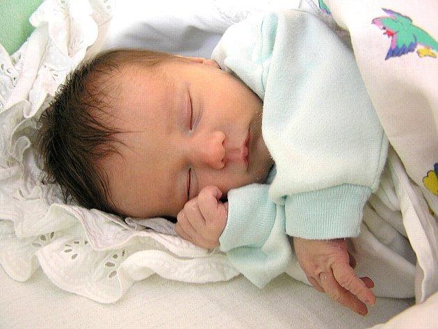 ONDŘEJ HEJČL z Rychnova nad Kněžnou se narodil 22. května 2008 v 17.18 hodin (2,990g, 49 cm). Celá rodina má z miminka velkou radost. Doma na brášku čekala 3,5 letá Verunka.
