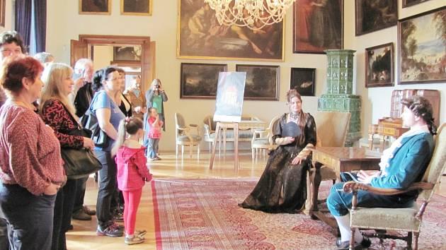 Sobotní prohlídky na Kolowratském zámku byly opravdu netradiční, návštěvníci neskrývali nadšení