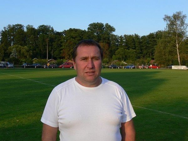trenér častolovických fotbalistů LUBOŠ CHLAJN