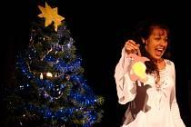 Zaplněné dobrušské kino vítalo Vánoce dětským zpěvem