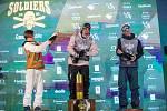 Birk Ruud, Antione Adelisse a Ulrik Samnöys na Soldiers - FIS finále Světového poháru v Big air v Deštném v Orlických horách.