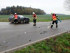 Dopravní nehoda dvou osobních automobilů u Svídnice.